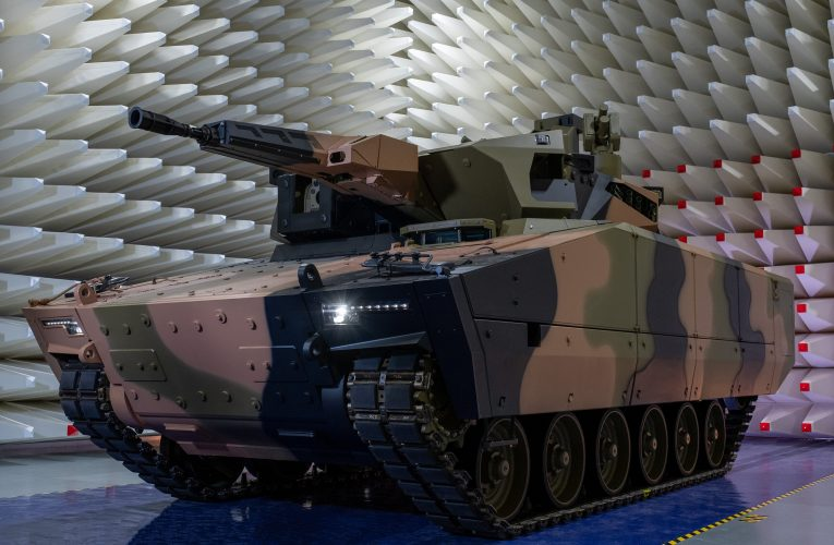 Australian Lynx KF41 Unveiled for Land 400 Phase 3 Programme